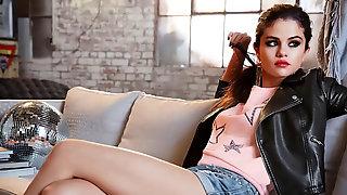Selena Gomez Wank Off Contest