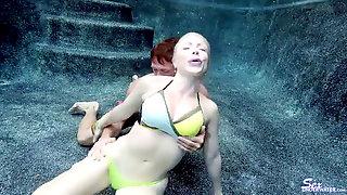 Dolce Vandela Underwater Hump