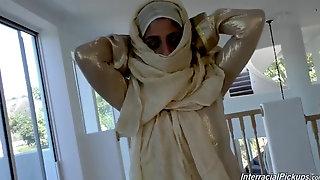 Arab Pretty Damsel In Bhurka Tears Up By Bbc