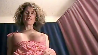 Hot Trixie Cougar Fellating T-girl Cock And Swallow