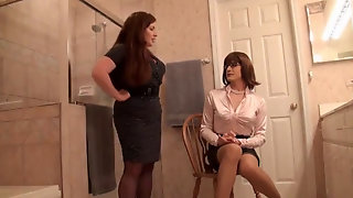 Wifey Ohphelia Catches Sandra Dressing!
