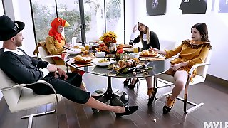 Kinky Cosplay Foursome With Pornstars Brooklyn Chase & Rosalyn Sphinx