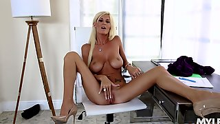 Skinny, Sun-kissed MILF Olivia Blu Pleasures Herself With Slender Fingers
