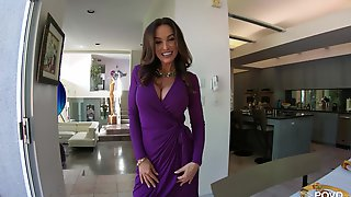 Lisa Ann Is Dressed To Fuck And That Lady Loves Younger Men
