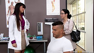 Sexy Doctor Mercedes Carrera Sucks A Dick Of Her Patient And Gets Fucked