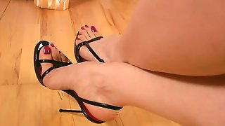 Goddess Leyla Perfect Feet
