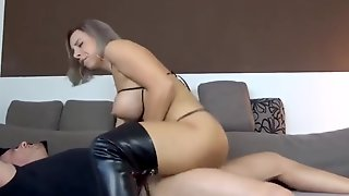 Cowgirl Hooker Tearing Up