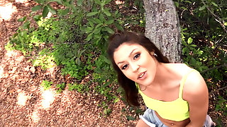 Catalina Ossa Gives Blowjob In The Park