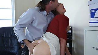 Beautiful Amateur Secretary Nailed By Her Boss