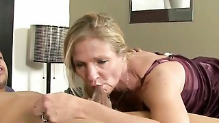 Unfaithful Mature Wife Peaches Fucking A Young Black Dude