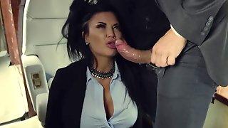 Brutal Guy Nacho Vidal Nails Curvaceous MILF Jasmine Jae