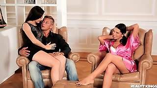 Sexy FFM Threesome With Adorable Babes Kira Queen And Aruna Aghora