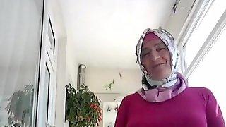 Turkish Granny In Amateur Video