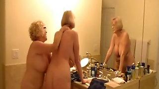 Gretchen In The Bath Tub