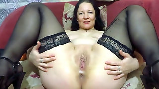 First-timer - Plus-size Big Bottle Fisting Dildo Xmas Show