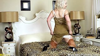 Big Tits British Blonde Milf Cherry English Fingering Pussy In Retro Nylons And Girdle