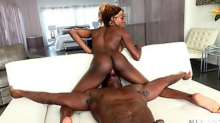 Ebony Girl Rides The BBC In A Mind Blowing Display
