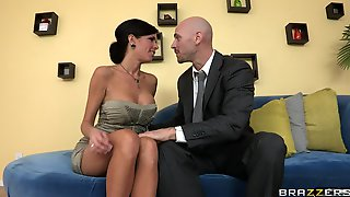 Mature Mommy Veronica Avluv With Fake Tits Fucked On The Couch