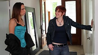 Amber Rayne Invited Over Her Lesbian Friends For A Threesome