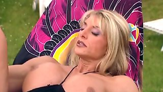 Licking, Fistin & Fucking A Huge Clit Muscle Blonde