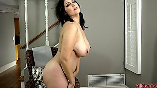 Super Hot Housewife Displays Udders And Backside