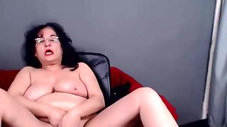 Chubby Granny Plays With Shaved Pussy On Cam