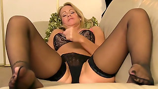 Masturbate Off Guidelines From Blonde