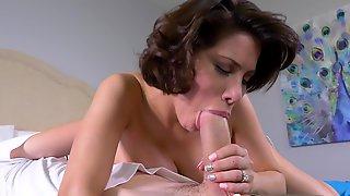 Short-haired Mom Aleksa Nicole Fucks Nerdy Guy In Bed