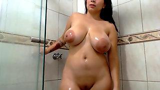Curvy Plump Teen Slutting In Shower