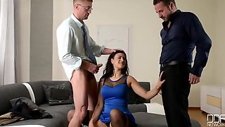 Beauty Mommy Billie Star In 3Some Orgy