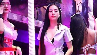 Phuket Nightlife - Splendid Nurse Club Women In Bangla Road