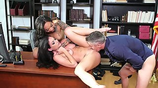 Man Humps Both These Chicks Down At The Office