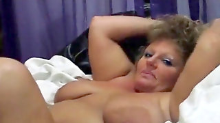 Chubby Mummy Fingered To A Squirting Mud