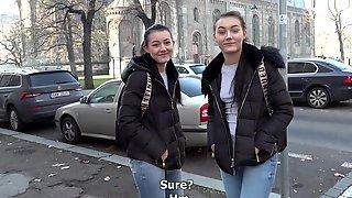 CzechStreets E124 Naive Twins