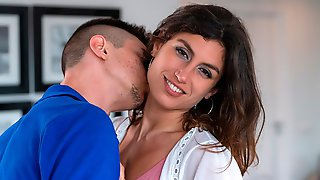 Hairy Pussy Of Julia Roca Got Nicely Nailed In The Missionary Pose