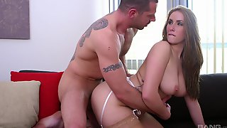 Hot Mature Craves For Juicy Sperm To Heal Her Enlarged Pussy