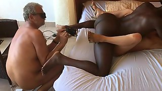 Cuckold Filming How The BBC Fucks His Wife