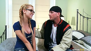Medium Ass Blonde Jessie Rogers Drops Her Jeans To Be Fucked