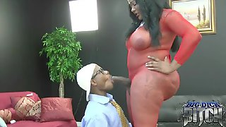 Servicing The Queen - Big Dick Bitch