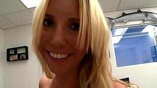 German Girl Kelly Rose Tries Porn
