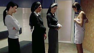 Hottest Towel Dropping Scenes Starring Olivia D'Abo, Anna Faris, Olga Kurylenko, Joan Severance