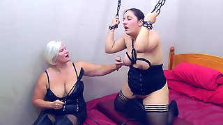 Riding The Sybian - TacAmateurs