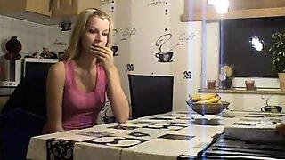 Hausfrau Hebt Den Gerichtsvollzieher