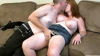 Cum Hungry BBW Lets Her Boyfriend Pound Her Juicy Cunt
