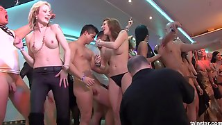 Crazy Naked Dances In The Night Club