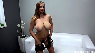 Amateur Porn Girl Takes Care Of Knob - Suzie Sun