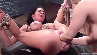 Veronica - Cumshot Hardcore Gangbang