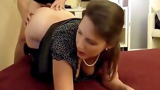 Sexy Mature Wife Gets Hard Fucked By Neigh1