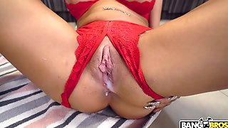 Wild Fucking At Home Ends With A Creampie For Provocative Riley Jean