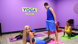 Blonde With Natural Boobs Seduces Yoga Instructor During Lesson